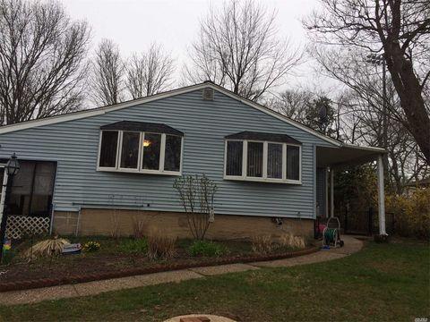 226 Tree Rd, Centereach, NY 11720