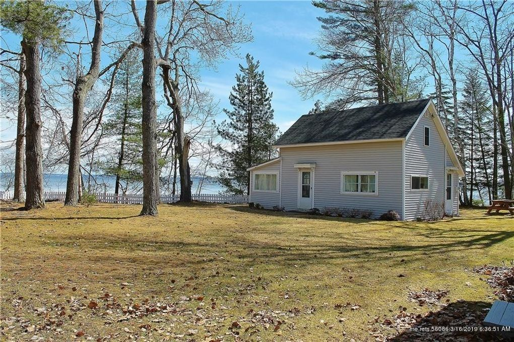 23 Little River Ln, Northport, ME 04849
