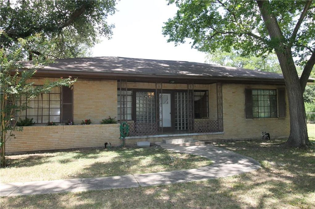 2301 W State Highway 71 West Point, TX 78945