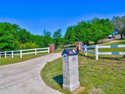 Photo of 312 Sandy Mountain Dr, Sunrise Beach, TX 78643