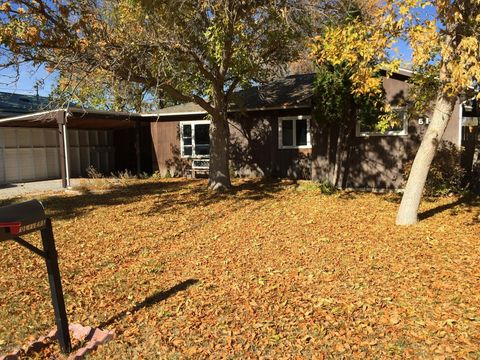 615 6th Ave Sw, Conrad, MT 59425