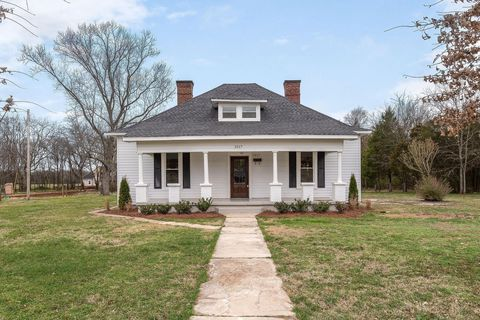 Photo of 2517 Taylor Ln, Eagleville, TN 37060