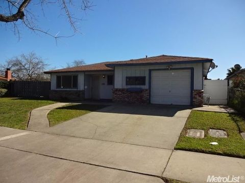 3268 Phoenix Way  Merced  CA 95348. Merced  CA Houses for Sale with Swimming Pool   realtor com