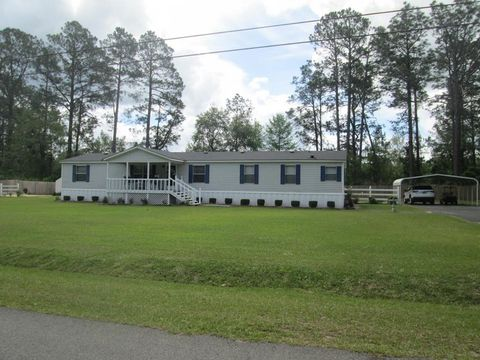 Photo of 252 Lake Luck Dr, Swainsboro, GA 30401. Mfd/Mobile Home