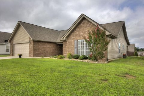 Photo of 1111 Cherbourg Dr, Maryville, TN 37801