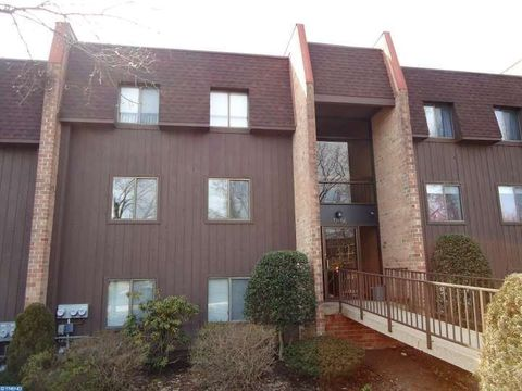 53 Hermitage Dr, New Hope, PA 18938