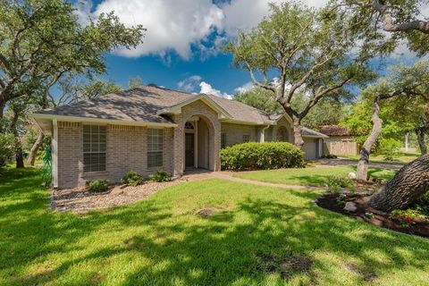 Photo of 123 Cedar Ridge Dr, Rockport, TX 78382