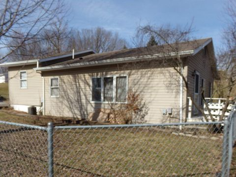 Photo of 804 Summit Ave, Wabash, IN 46992