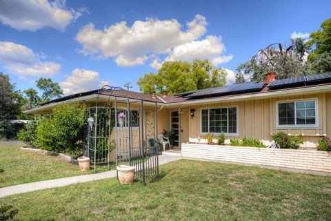Photo of 2740 N Archie Ave, Fresno, CA 93703