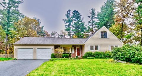 Photo of 14 Long Meadow Rd, Westford, MA 01886