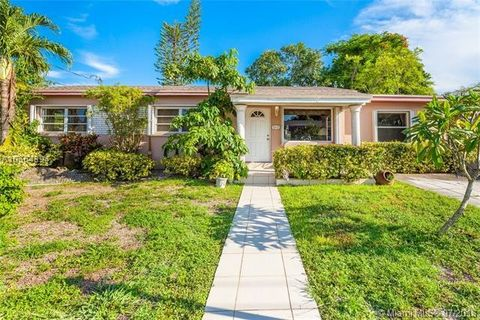 Hialeah, FL Waterfront Homes for Sale - realtor.com®