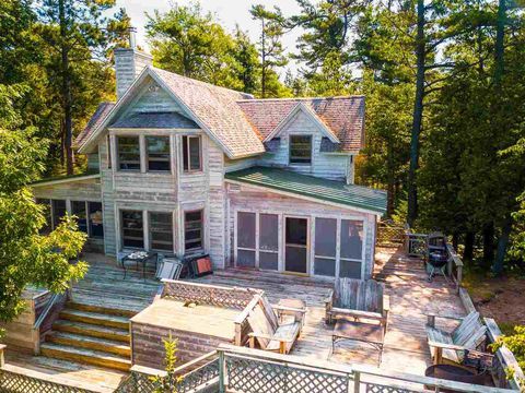 Superb 32529 Mrs Reddings Trl Beaver Island Mi 49782 Home Interior And Landscaping Ologienasavecom