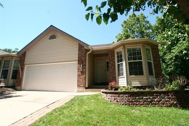 12905 Bryce Canyon Dr Maryland Heights, MO 63043