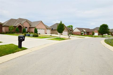Photo of 4984 Orchard Crest Ct, Monroe, MI 48161