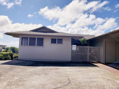 Photo of 99-019 Kaamilo St, Aiea, HI 96701