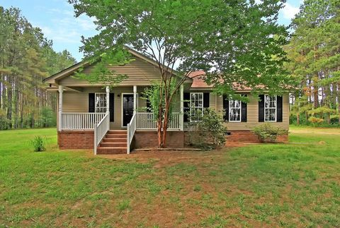 Photo of 7050 Old State Rd, Holly Hill, SC 29059