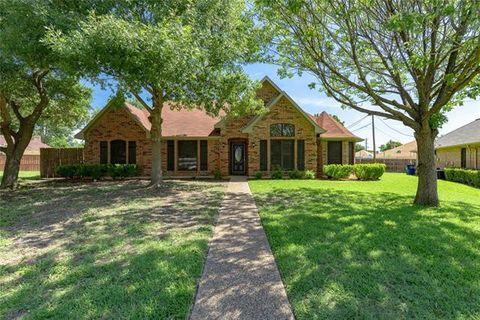 Photo of 6343 Everglade Cir, Dallas, TX 75227