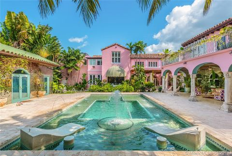 Photo of 5454 Pine Tree Dr, Miami Beach, FL 33140