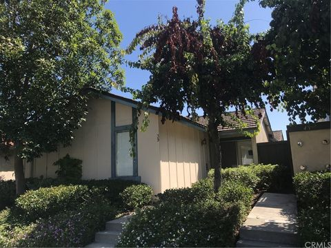 Photo of 39 Lemon Grv, Irvine, CA 92618