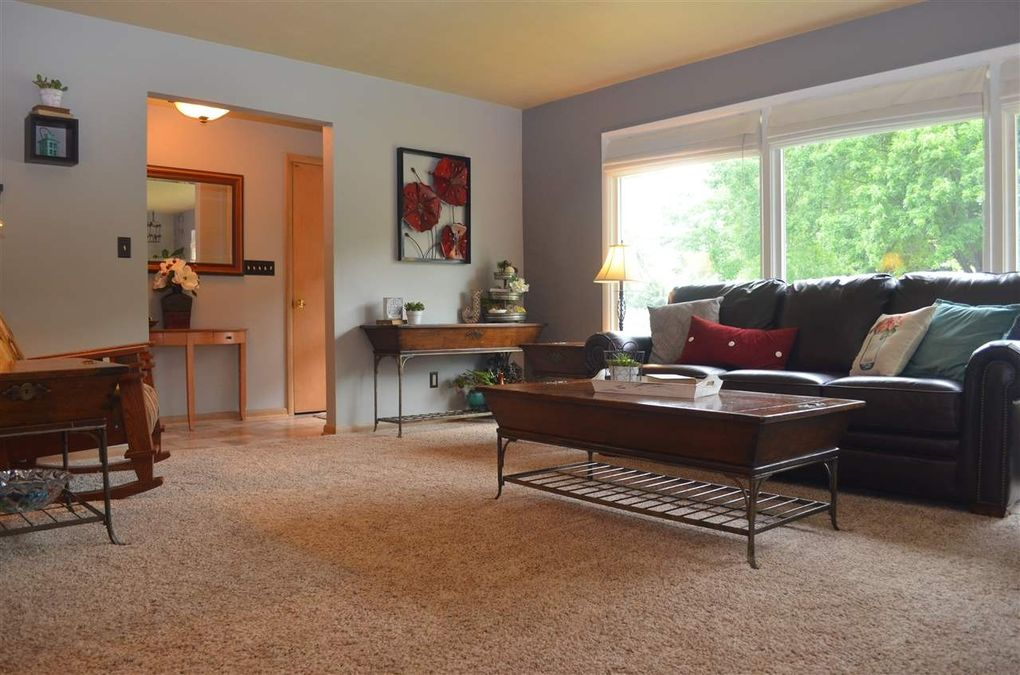 861 Center St, Wisconsin Rapids, WI 54494 - realtor.com® on home office furniture, home furniture madison, home furniture wood,