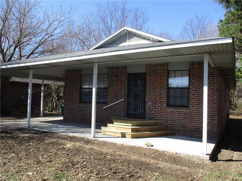 208 S Pittman St, Prairie Grove, AR 72753