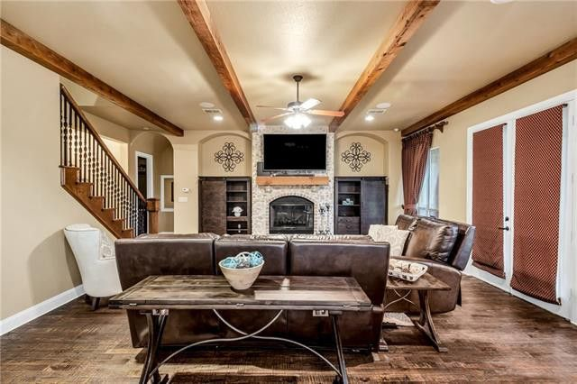 31 Crown Rd, Willow Park, TX 76087