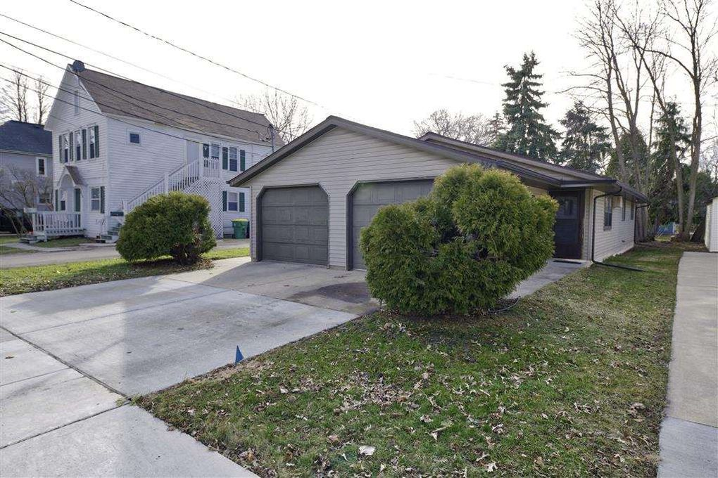 832 S Chestnut Ave, Green Bay, WI 54304