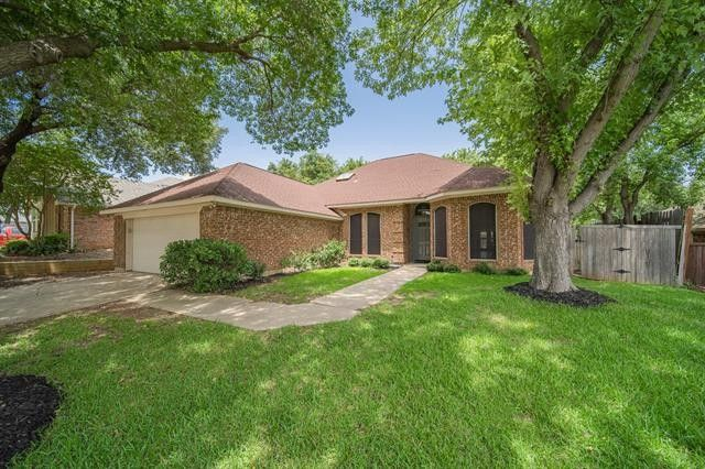 2332 Claremont Ct Flower Mound, TX 75028