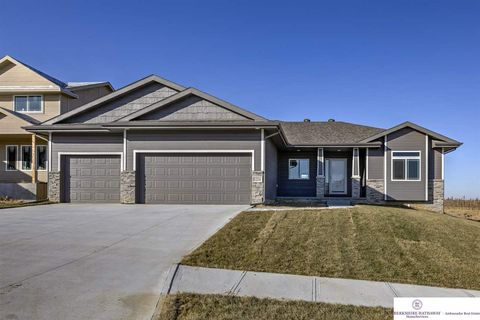 Photo of 12214 Quail Dr, Bellevue, NE 68123