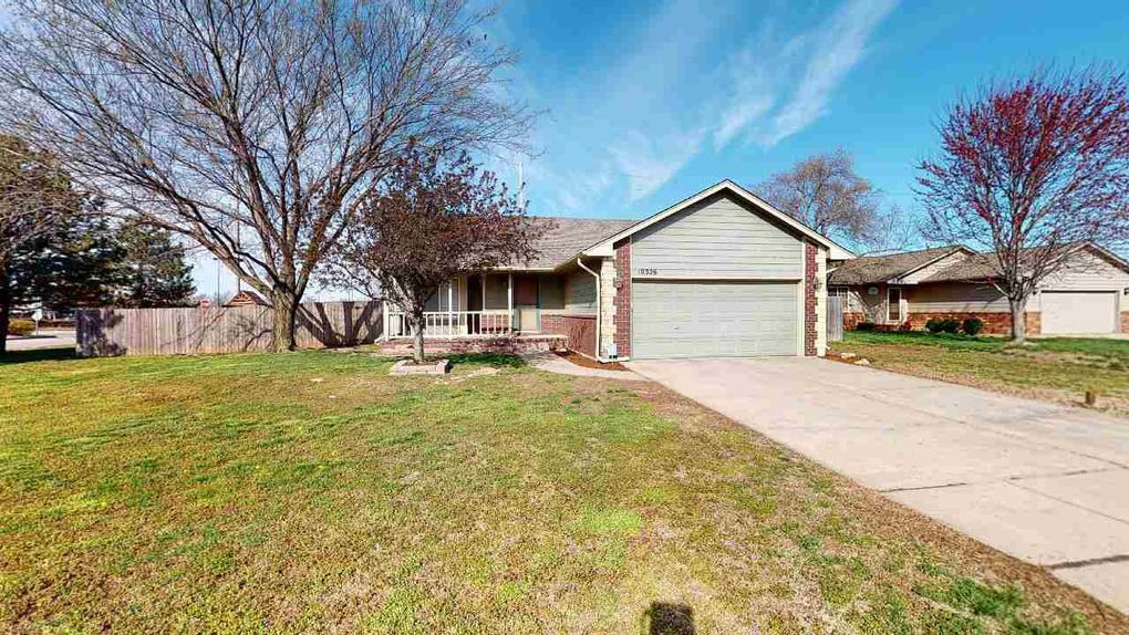 10326 W Sterling Ct Wichita, KS 67205