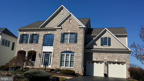 Photo of 25805 Planting Field Dr, Chantilly, VA 20152