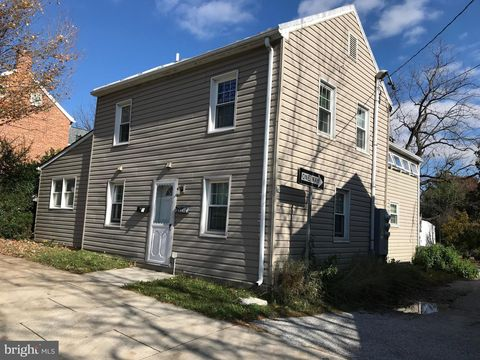 Photo of 136 Pennsylvania Ave Unit B, Westminster, MD 21157