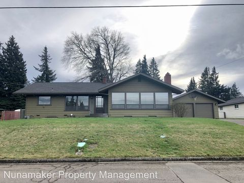 Photo of 1703 Taylor Ave, Hood River, OR 97031