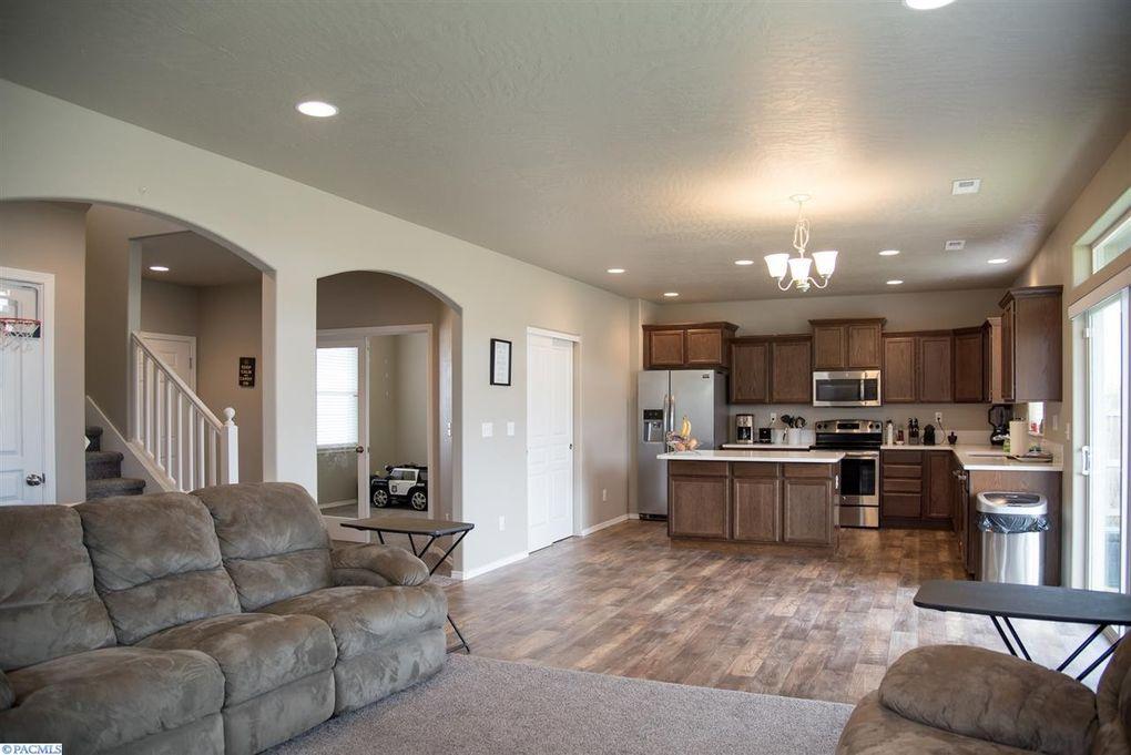 813 S Texas St, Kennewick, WA 99336