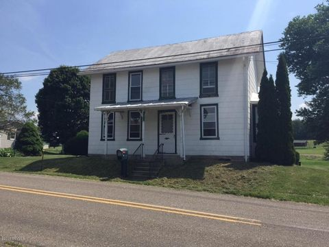 901 Strick Rd, Milton, PA 17847