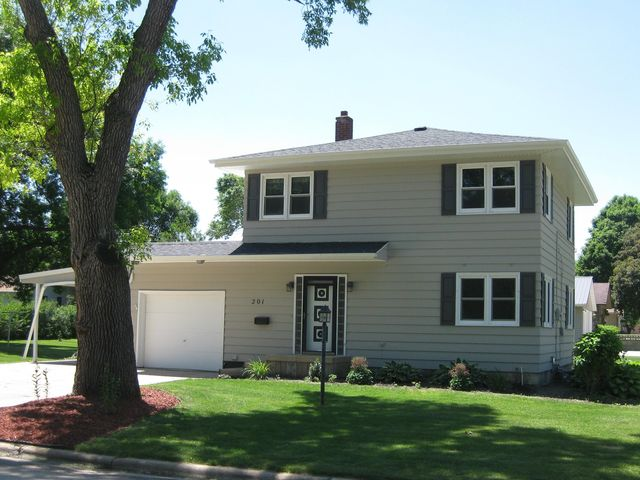 Best Places to Live in Emmetsburg, Iowa