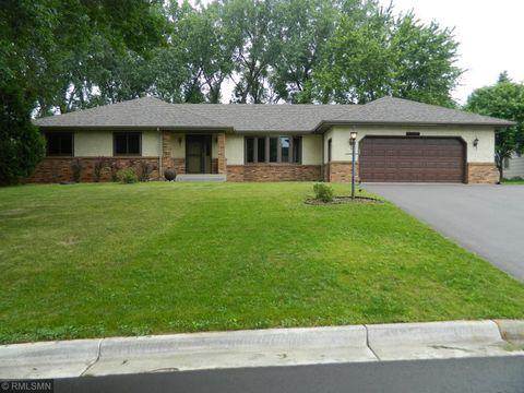 Photo of 1083 Vail Dr, Mendota Heights, MN 55118