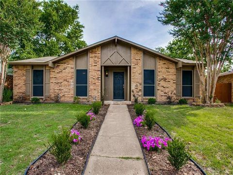 Photo of 7573 Christie Ln, Dallas, TX 75249