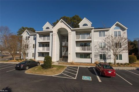Photo Of 900 Charnell Dr Apt 300 Virginia Beach Va 23451 Condo Townhome For Rent