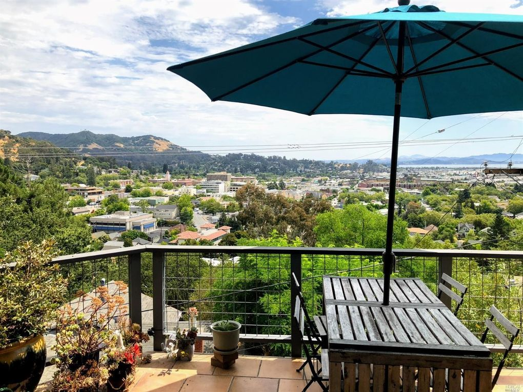 21 Miraflores Ave San Rafael, CA 94901