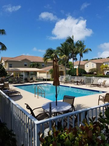 Photo of 107 Lighthouse Cir Apt H, Tequesta, FL 33469