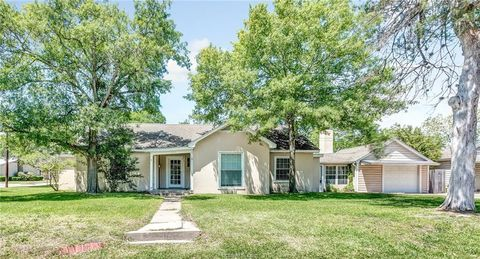 Photo of 510 S Coulter Dr, Bryan, TX 77803