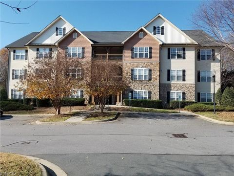 Photo of 4762 Tatton Park Cir Unit 3 B, Winston Salem, NC 27103