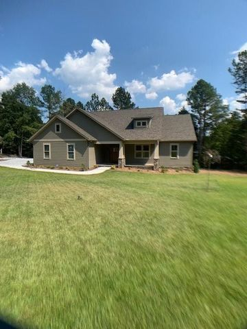 Photo of 911 Lakecrest Dr, Seneca, SC 29672