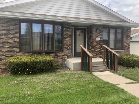 Photo of 251 2nd St, Dickeyville, WI 53808