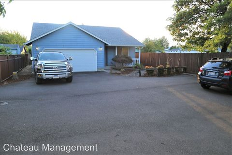 Photo of 137 Sw Wake Robin Ave, Corvallis, OR 97333