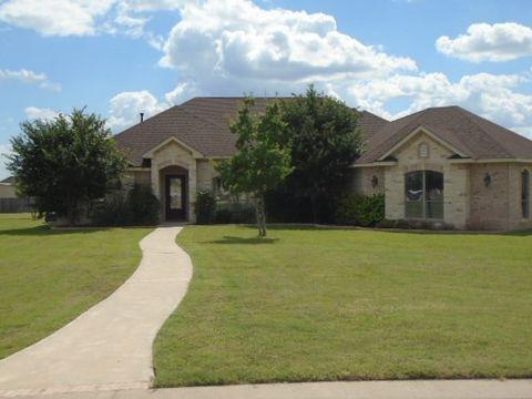 1613 Stonelake Dr, San Angelo, TX 76904