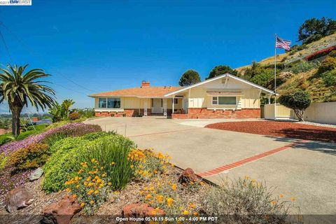 Photo of 1500 Daily Dr, San Leandro, CA 94577
