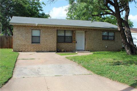 Photo of 3242 Ivy Ln, Abilene, TX 79603