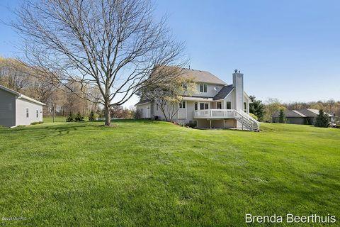 Photo of 7889 Hickory Dr Ne, Rockford, MI 49341. House for Sale